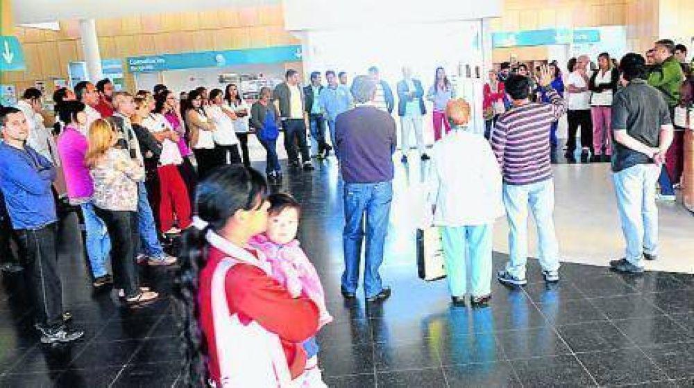 Empleados de salud ocupan pacíficamente el Hospital Municipal Príncipe de Asturias