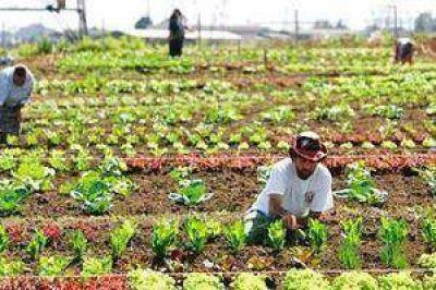 Firmó un convenio de cooperación y asistencia con la Federación de Agricultura Familiar