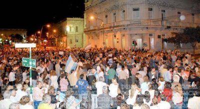 Junín: más de 1.500 personas marcharon en el centro contra el Gobierno nacional