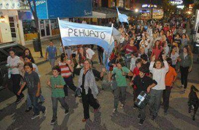 Pehuajenses adhirieron a la protesta nacional
