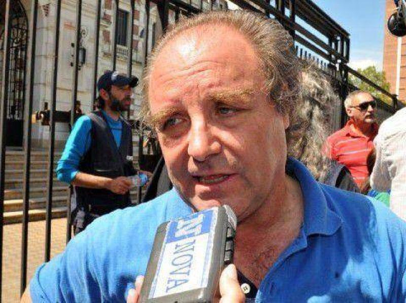 """D�az: """"Dieciocho mil docentes de La Plata a�n no cobraron sus sueldos"""""""