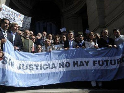 La oposición acelera las conversaciones para armar distintos frentes electorales