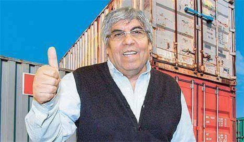 Hugo Moyano obtuvo sin licitación el beneficio de un negocio millonario