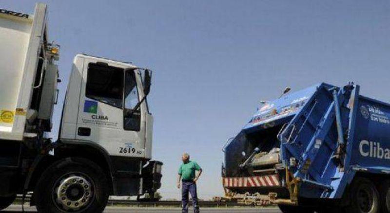 Personal de seguridad bloquea entrada y salida de camiones al CEAMSE