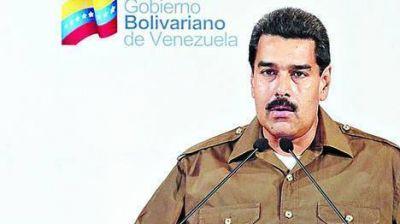 Maduro ratificó a ministros de Chávez, pero realizó cambios en áreas clave