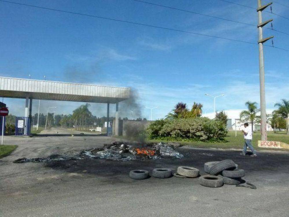 Despidieron a 70 obreros de FAPLAC y el gremio podría llamar a paro general