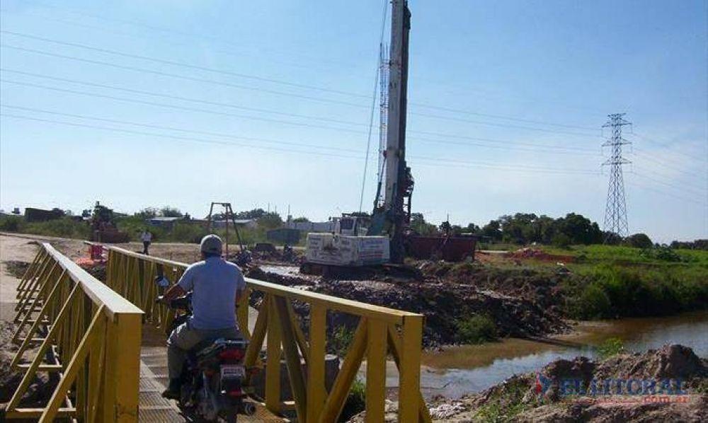 Iniciaron las obras del puente definitivo en el arroyo Pirayuí