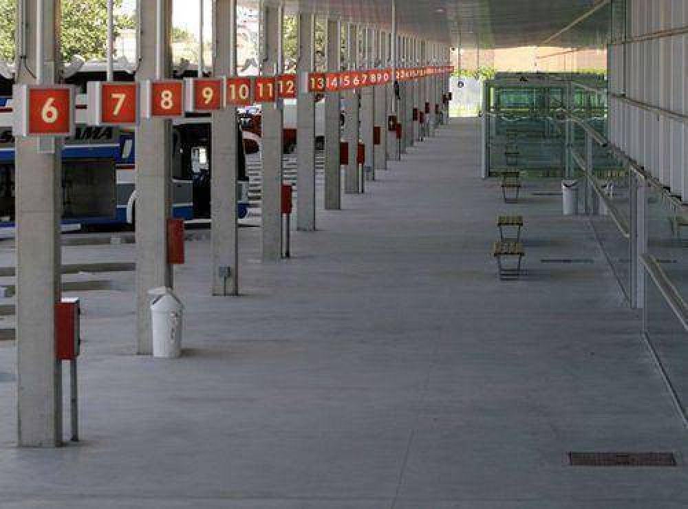 Transportistas anunciaron paro para el próximo lunes