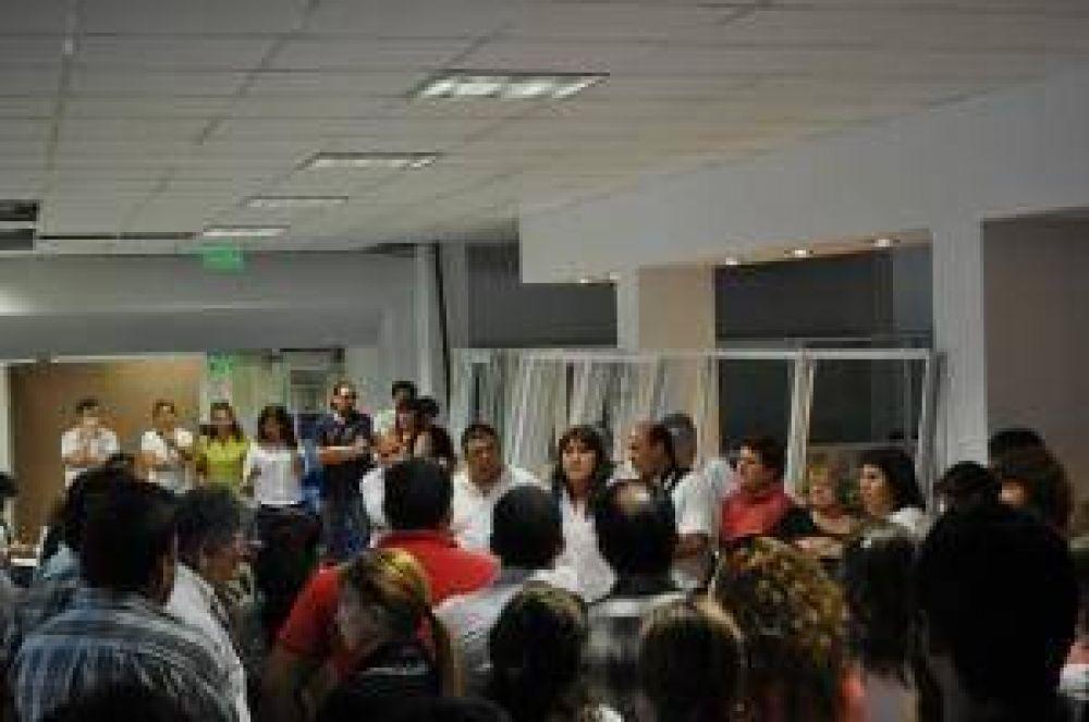 """Gremio del INSSSEP anunció el pago """"inmediato"""" de una recomposición salarial"""