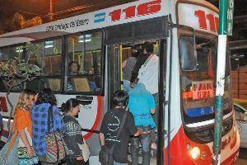 La UTA amenaza parar el lunes, tambi�n en Santiago