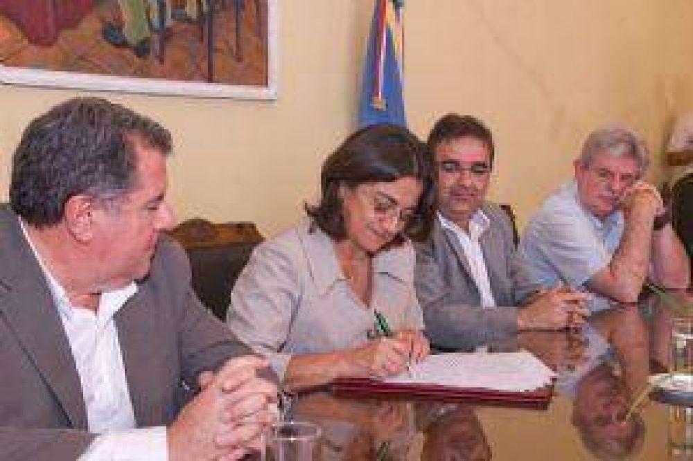 """Lucía Corpacci : """"Este Gobierno tiene la decidida vocación de generar trabajo"""""""
