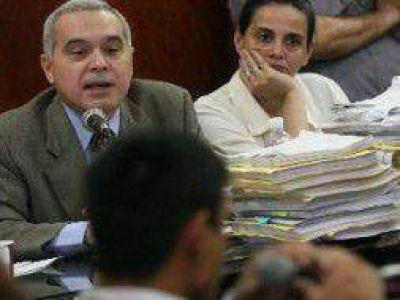Caso Píparo: Pidieron 5 perpetuas por la salidera bancaria y el homicidio del bebé Isidro
