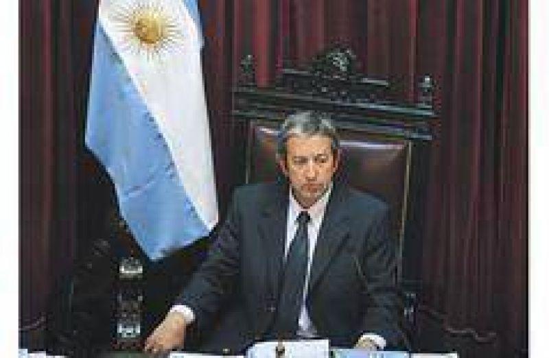 Cobos advirtió que el Gobierno deberá volver al FMI después de las elecciones