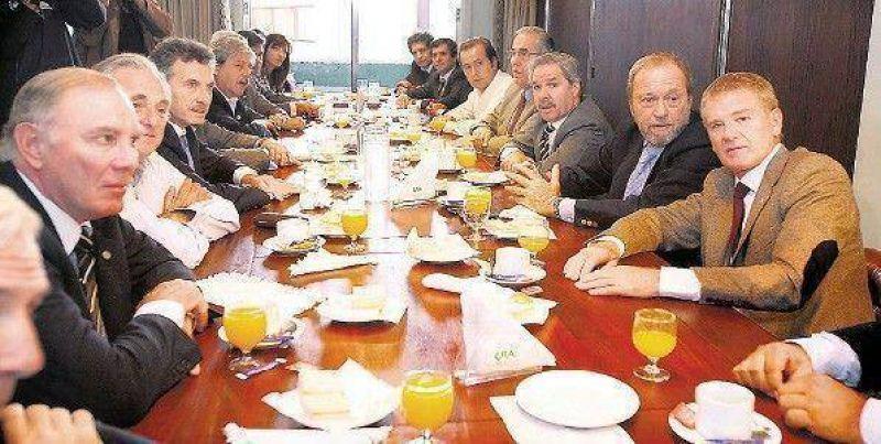 El agro se mostró con la oposición, pero quiere reunirse con Kirchner