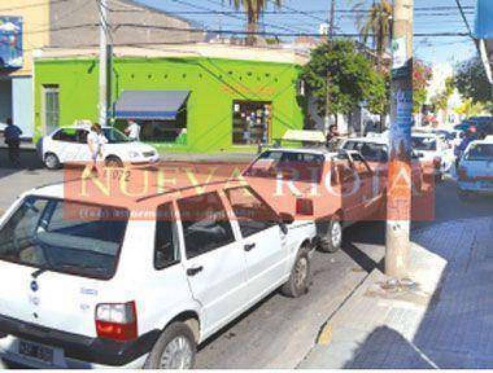 Denuncian corrupción en la entrega de licencias de taxis
