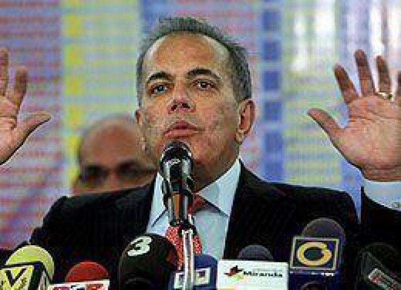 Principal opositor de Ch�vez pidi� asilo pol�tico en Per�