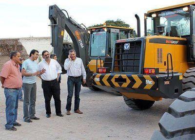 El Municipio Capitalino adquirió equipamiento para obras viales y arquitectónicas
