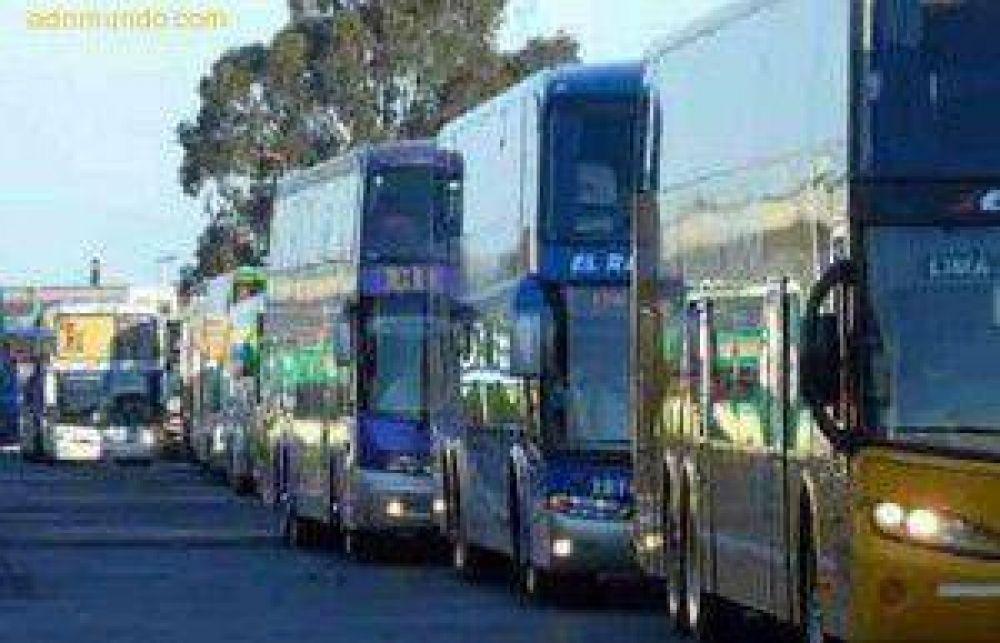 Desde la UTA confirmaron un paro del transporte de larga distancia a partir del jueves por la tarde y por tiempo indeterminado