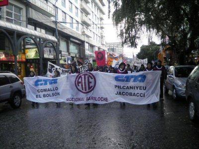 Marcha en el Día de los Trabajadores contra la megaminería