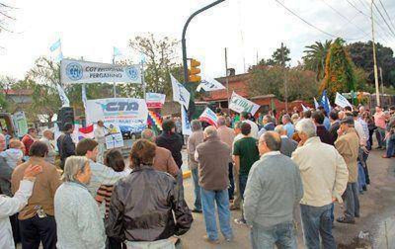 En el Día del Trabajador, los dirigentes gremiales instaron a seguir la lucha