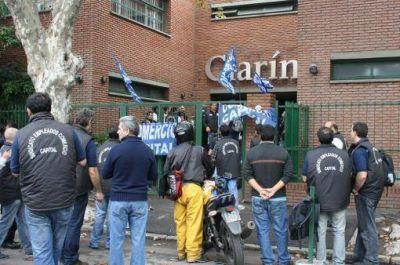 La asamblea de trabajadores de Cúspide protestaron contra Clarín