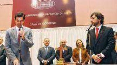 Urtubey tomó juramento al nuevo Ministro de Trabajo, Eduardo Costello