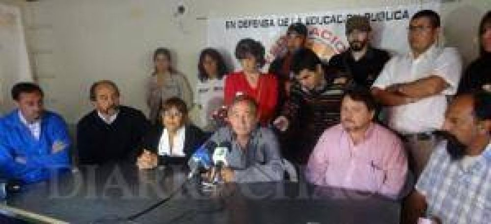"""Mijno: """"Los docentes reclamaron lo mismo que SITECH, con esto se despeja cualquier duda relacionada con el conflicto"""""""