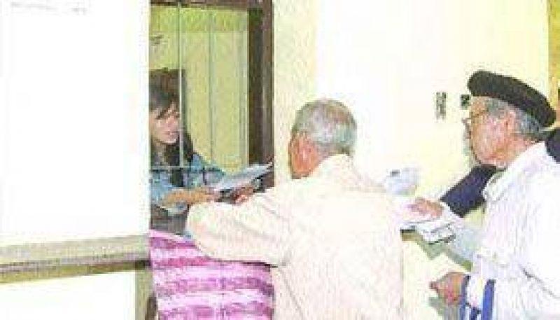 Jubilados piden que se modifique el decreto que fija el complemento