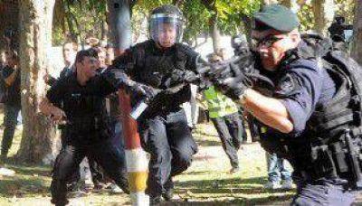 La Ciudad inició los sumarios a policías que actuaron en el Borda