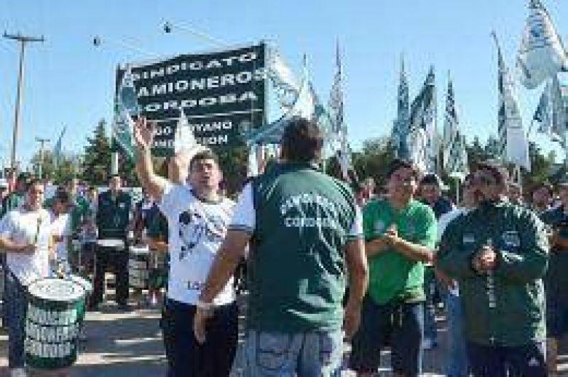 Tras la conciliación, Camioneros no aceptó el encuadre gremial de 300 trabajadores en Comercio