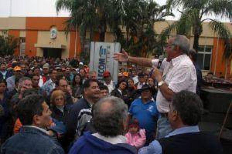 Municipales dejaron sin servicios a la ciudad y resolvieron repetir la protesta todos los mi�rcoles
