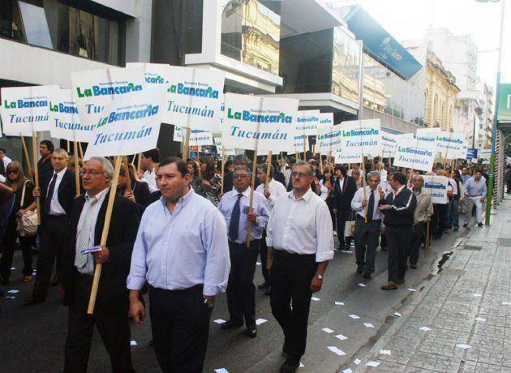 El gremio bancario y las cámaras del sector reanudan hoy la negociación salarial
