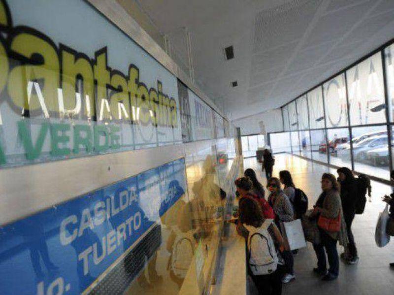 Las empresas Santafesina y Monticas levantaron el paro en la Terminal de Omnibus