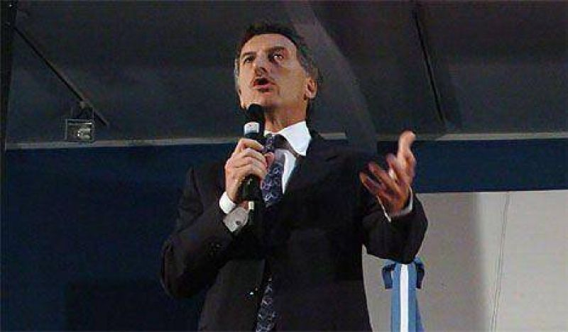 Abucheos y silbidos a Macri en la Feria del Libro