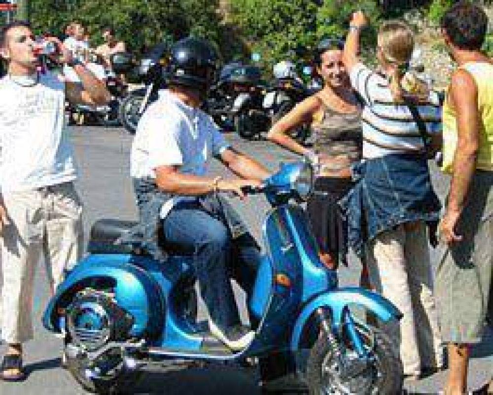Retienen las motocicletas en los controles, pero nadie las reclama