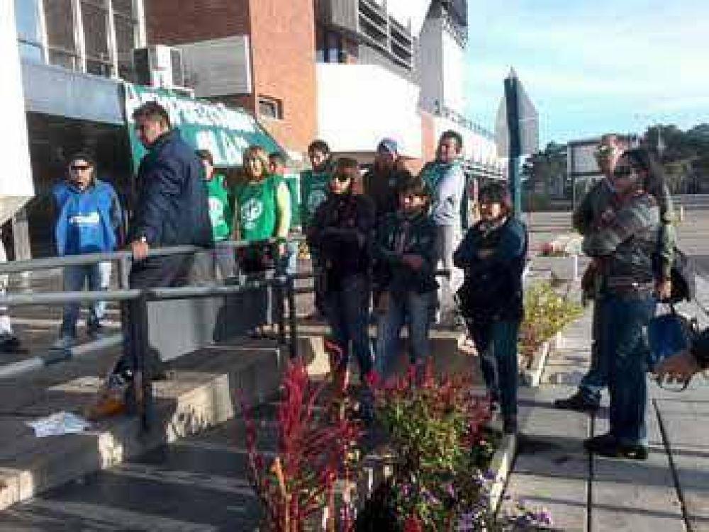 """Denuncian """"aprietes y presiones"""" en la huelga en el Aeropuerto de Jujuy"""