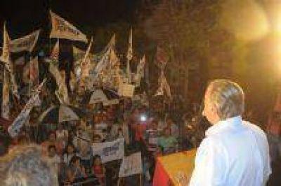 Multitudinario apoyo de la militancia Peronista a la candidatura de Rodolfo Urtubey