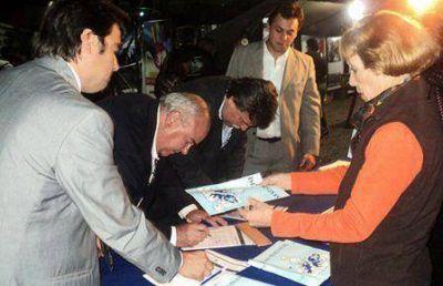 En Ferinoa se recolectaron más de 10.000 firmas por Malvinas