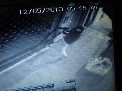 Cámaras de seguridad registran el intento de robo a un comercio
