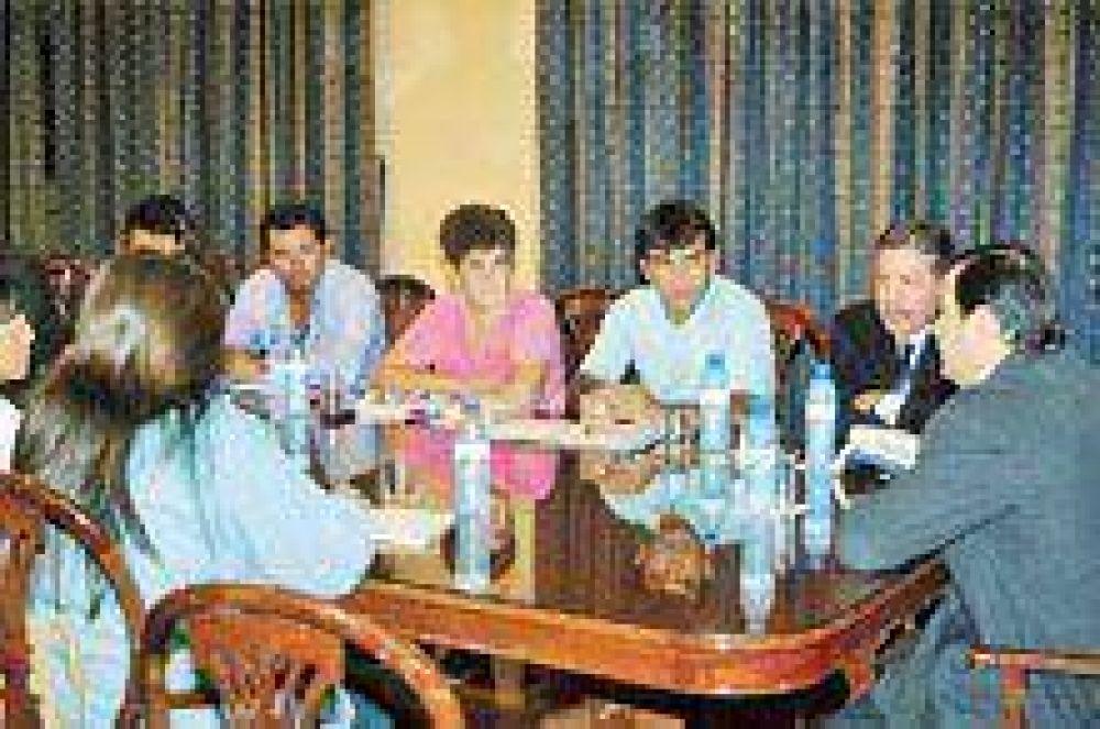 Zamora mantuvo una reunión Institucional con el Mocase