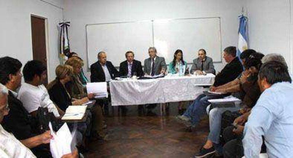 Gobierno y gremios profundizan diálogo