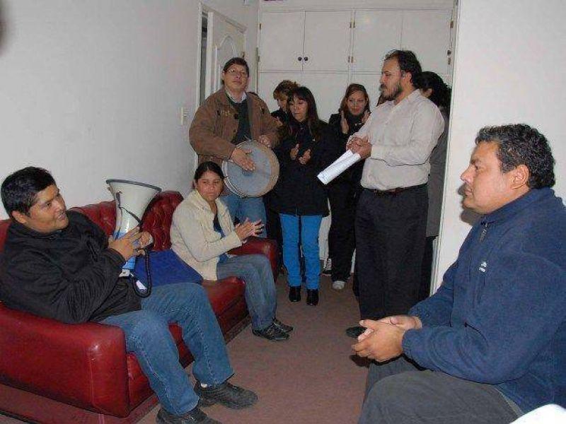 Dirigentes de Adep tomaron dos oficinas