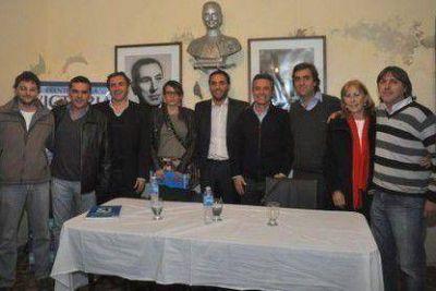 Referentes peronistas se mostraron juntos en curso de formación política