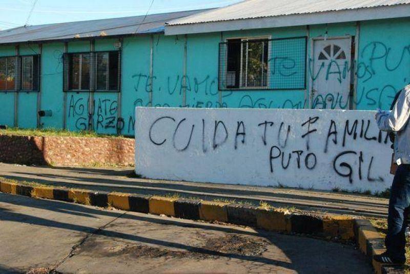Pintadas contra el secretario General de ATE