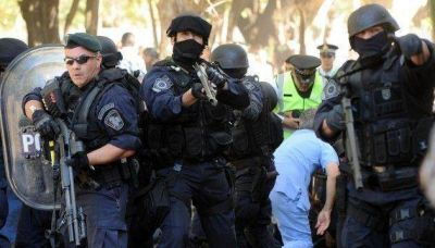 Amplían denuncia penal por la represión en el Hospital Borda