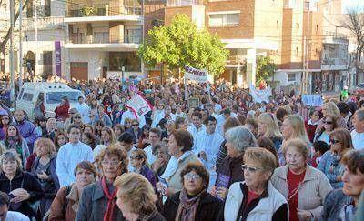 Cientos de fieles participaron ayer de la ceremonia en honor a María Crescencia