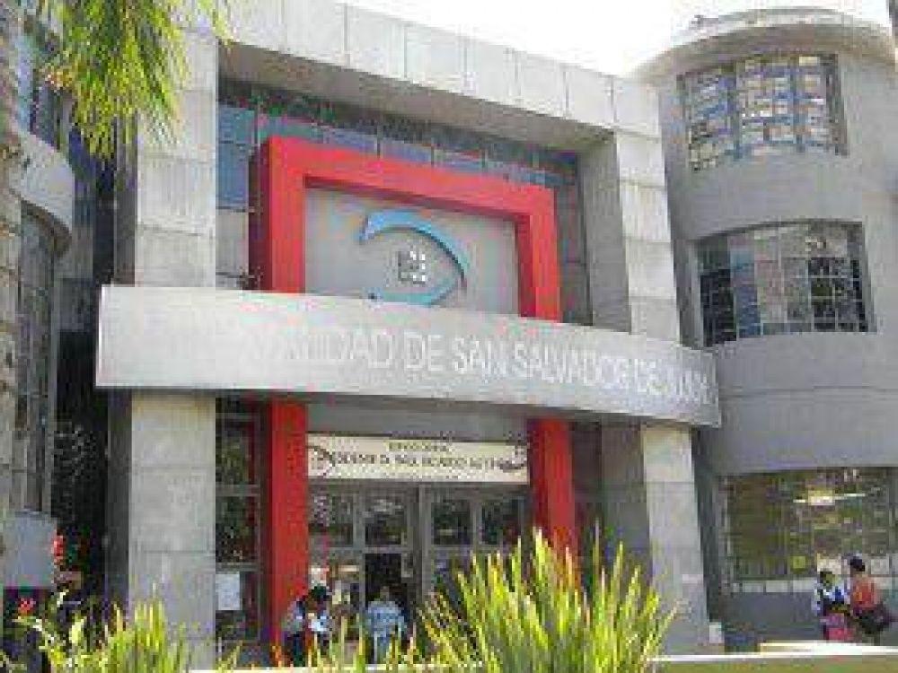 El SEOM decidió continuar con la toma y el acampe en el edificio de la Municipalidad de Jujuy