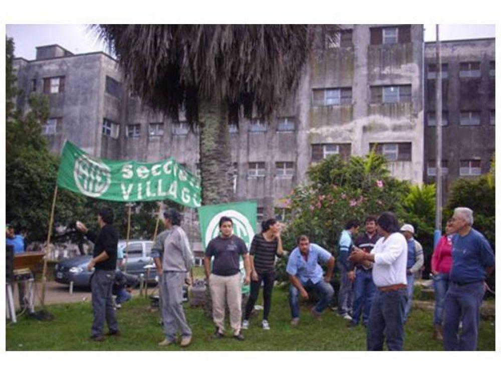 Trabajadores del hospital de Villaguay realizan asambleas desde hace un mes