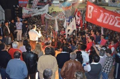 Con un acto multitudinario, Convergencia Social celebr� su 19� aniversario en S�enz Pe�a