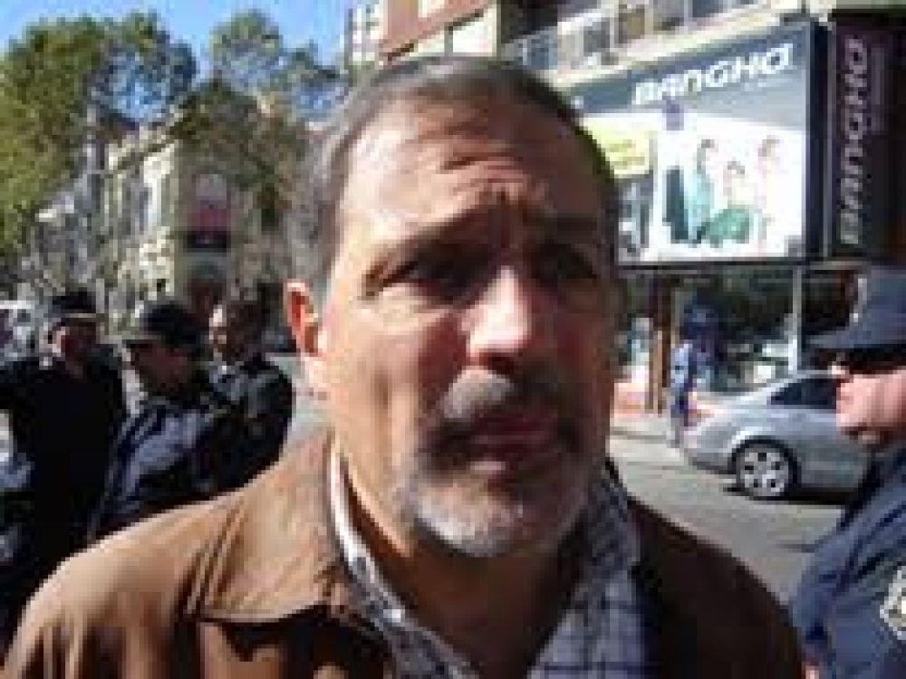 Calamante se mostró conforme con las elecciones en SUTEBA y adelantó que los docentes estudian parar por cuatro días